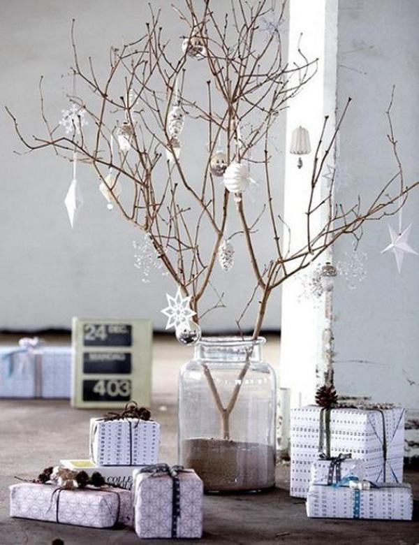 Be As Creative As You Can Be This Christmas With A Slim But Elegant  Christmas Tree ...