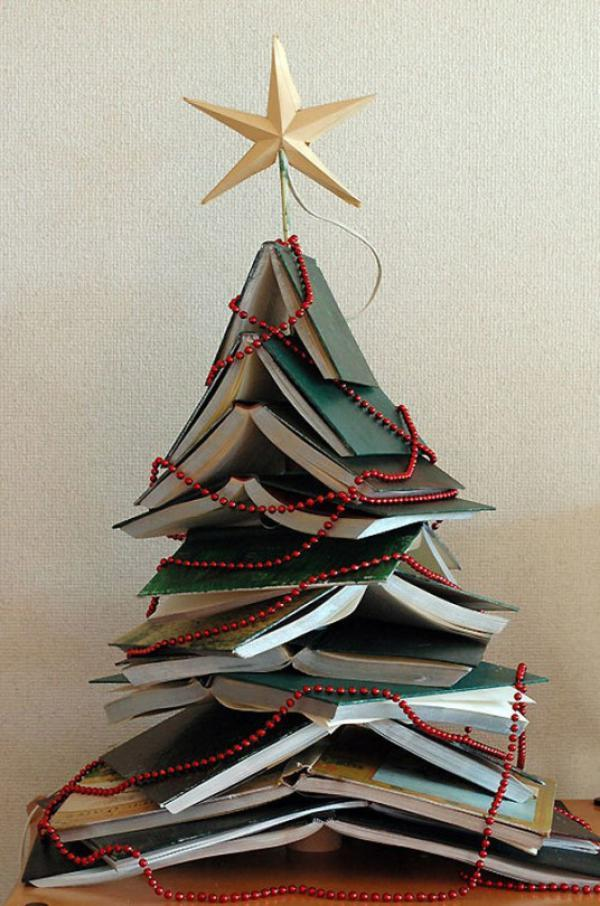 A easy christmas tree DIY with books