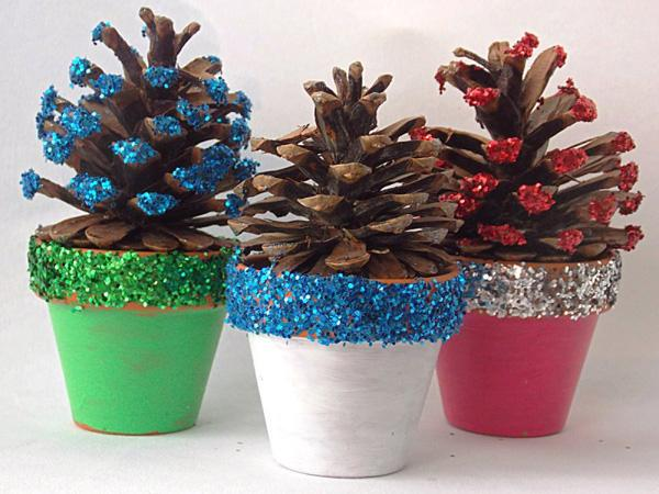 Cool DIY Christmas Decor Ideas With Pinecone