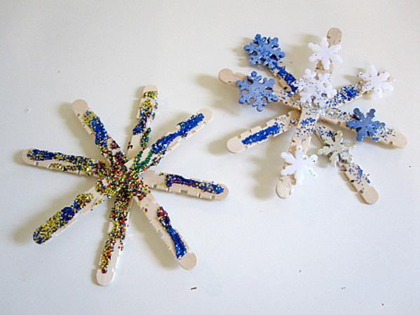 Popsicle-Stick-Snowflake-Ornaments