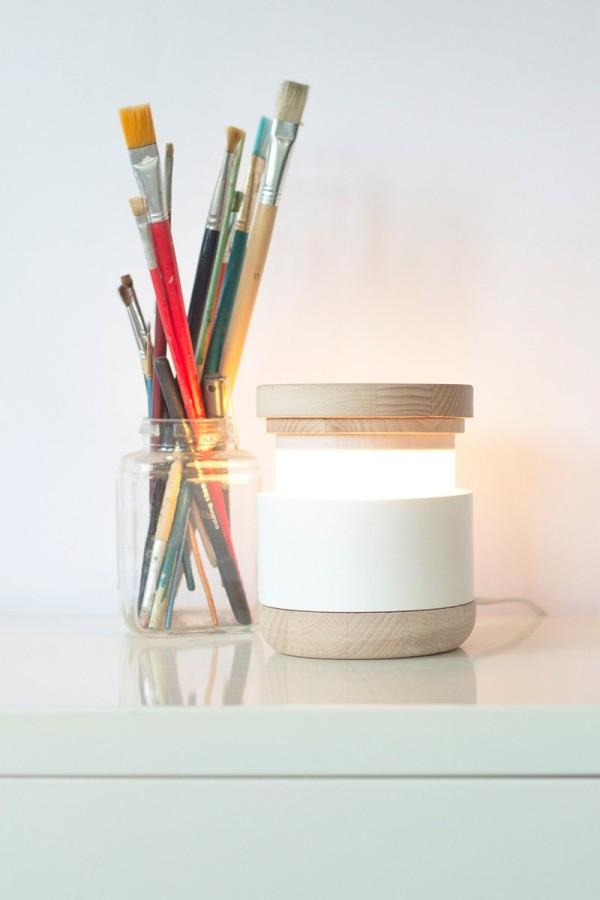 Minimalist Table Lamp that can be Lit by Pulling the Top – Abre Lamp