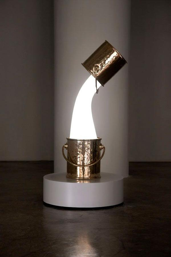 Wonderlamp is the result of a collaboration between two very distinct creative companies, Studio Job and Pieke Bergmans
