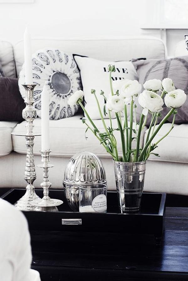 Beautiful White Flower Arrangement Brighten Up Your Living Room By Using Long Stemmed Flowers Complementing