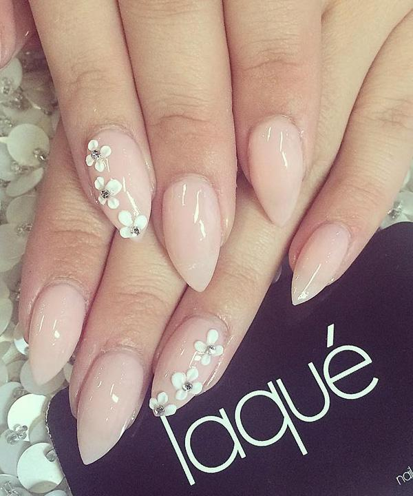 Pretty nude nail art design. A rather simple looking design that gives off  a sophisticated ... - 40 Nude Color Nail Art Ideas Art And Design