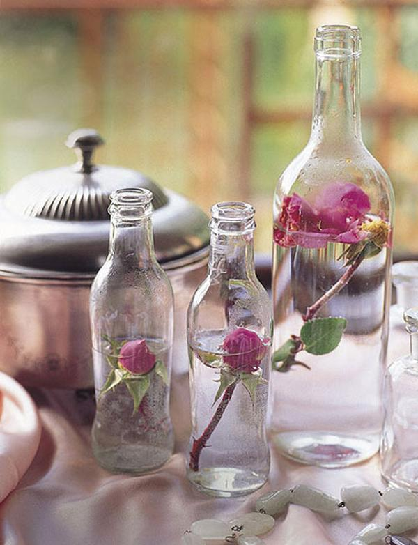 valentines-day-decor-ideas-home-glass-bottles-roses-vintage-beauty