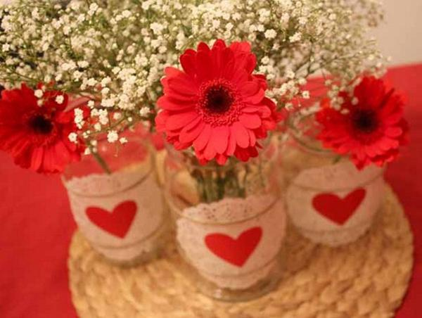 valentines-day-decor-ideas-home-table-red-gerbera-doilies-jars