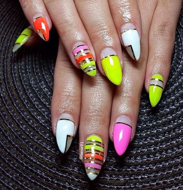 Abstract nail art-23