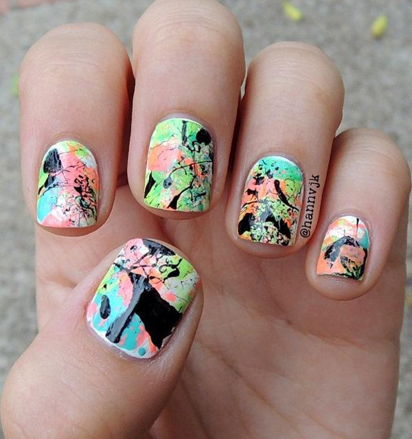 Abstract nail art-24