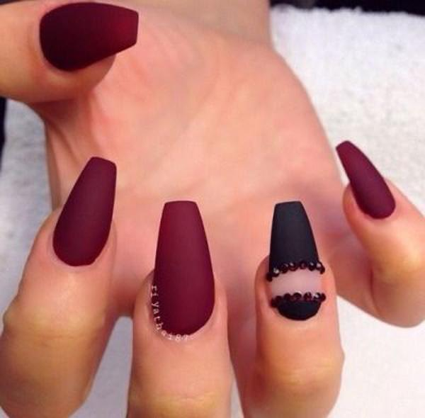 We All Know Maroon And Black Goes Greatly Well Together When You Want A Dark