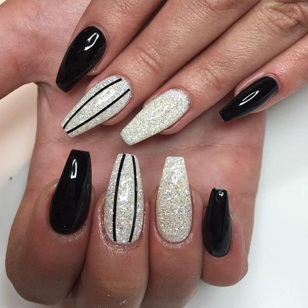 Be A Stunner With This Black And Silver Glitters Nail Design