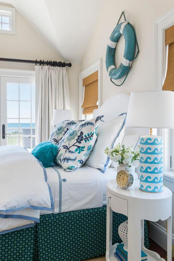 Coastal style bedroom idea-18