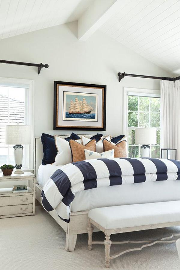 Coastal style bedroom idea-22
