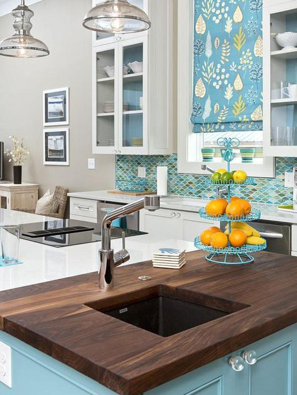 Coastal style kitchen idea-39