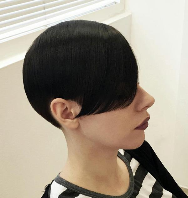 short black hairstyle-2
