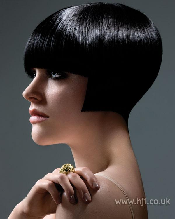short black hairstyle-8