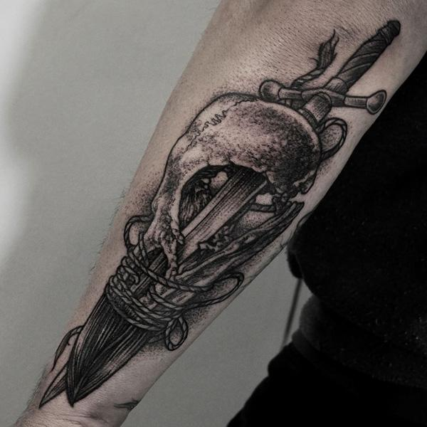 sword and skull tattoo-18