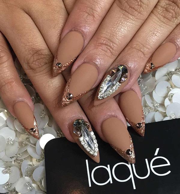 almond-nail-art-12