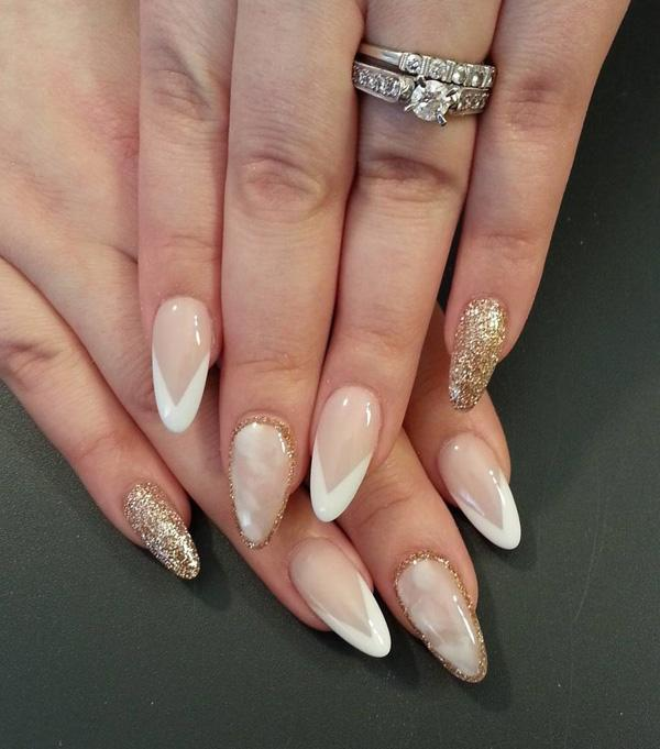 Seductive almond nails in such a gentle shades can be worn on any occasion. - 50+ Almond Nail Designs Art And Design