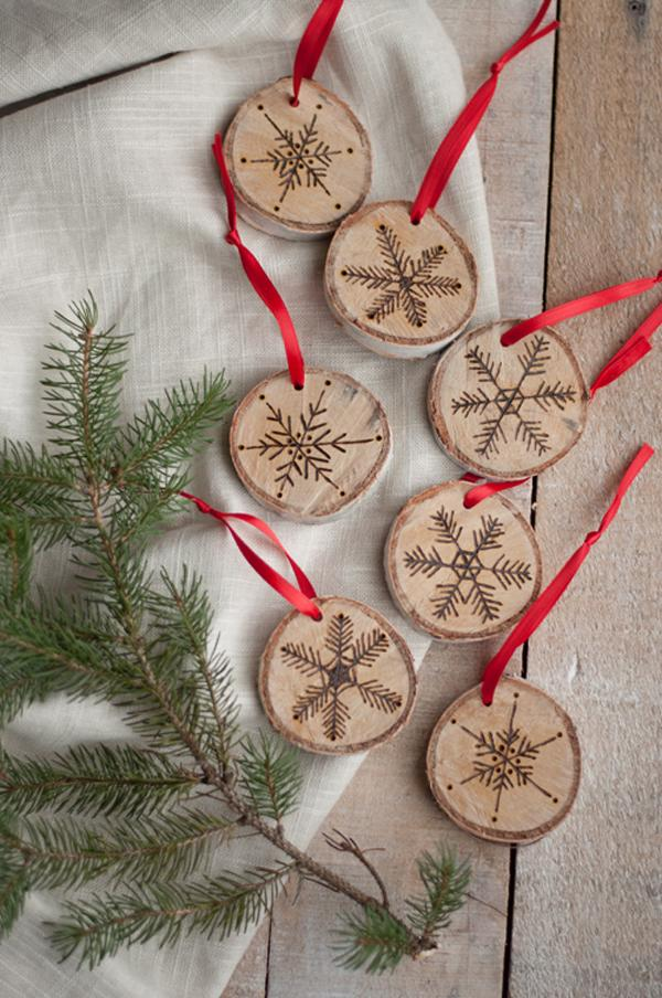 etched-snowflake-ornaments-in-birch
