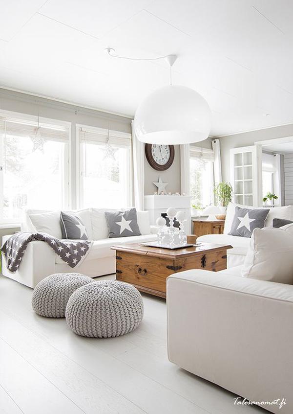 Белият цвят е неутрален цвят, който символизира изтънченост. Детайли в цвят на бял фон перфектно излязат на преден план.