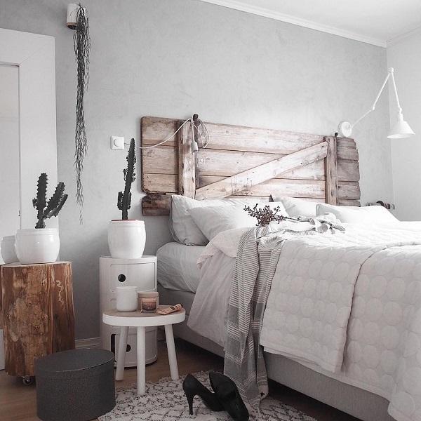 Рустик детайли са много популярни в този стил. През последните години, по-често на хората да съчетават различни стилове в интериорния дизайн. Рустик детайли като част от обзавеждането от отминалите дни може да даде на къща топлината, и то по-приятно място за живеене правят.