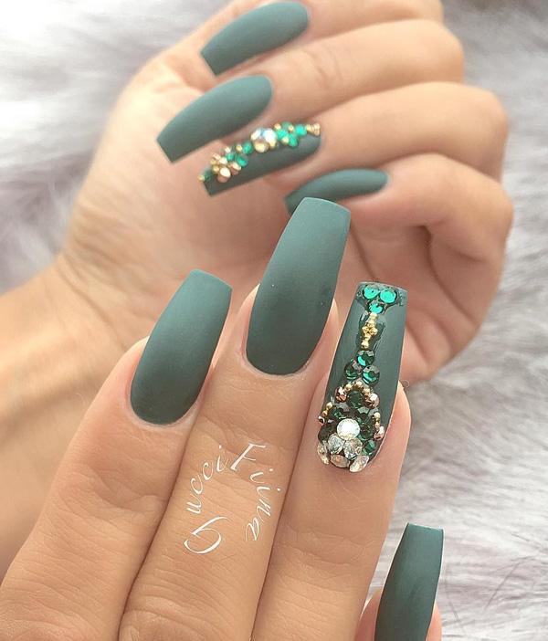 rhinestone-nail-art-23