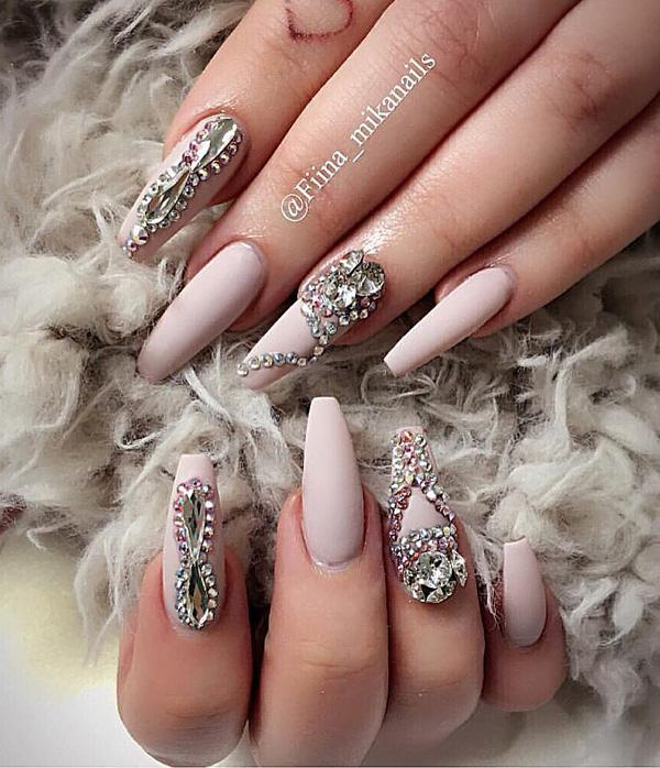 rhinestone-nail-art-30