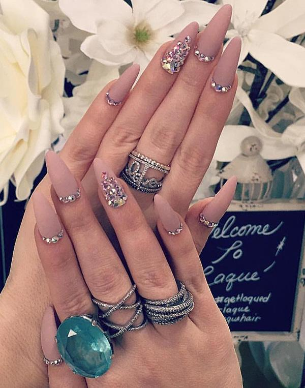 Another idea how to do your nails, in almond shape. - 50 Rhinestone Nail Art Ideas Art And Design