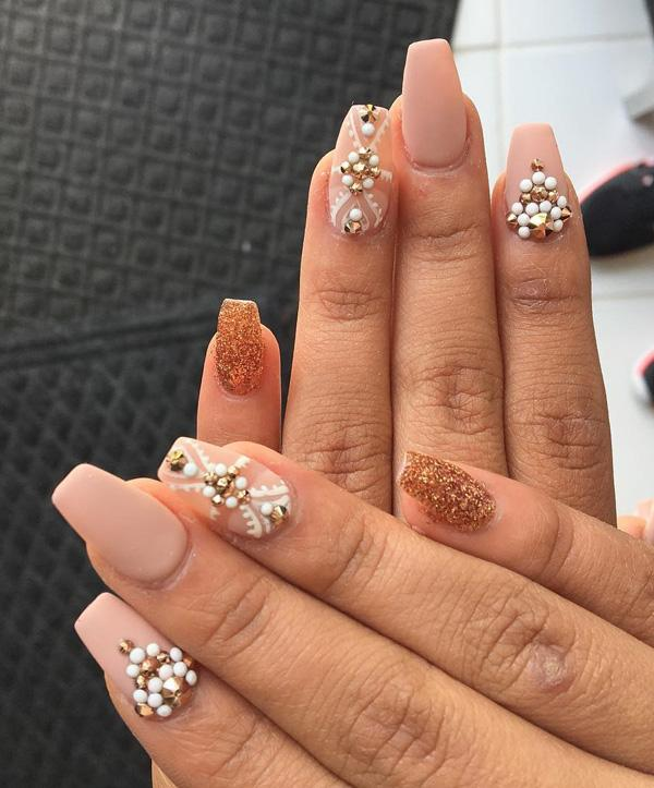 rhinestone-nail-art-39