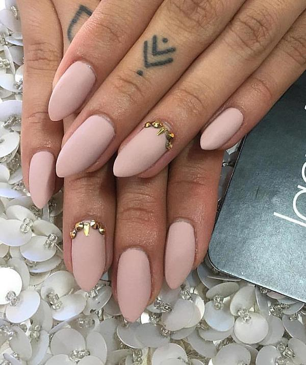 A little bit pointed nails are very feminine. It is important that the top  of ... - 50 Oval Nail Art Ideas Art And Design