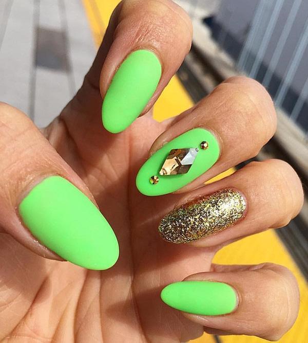 oval-nail-4