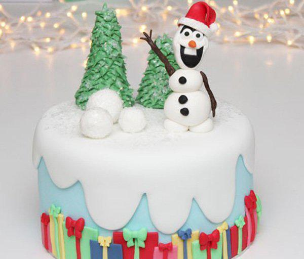 frozen-inspired-christmas-cake