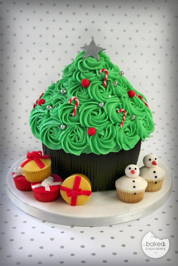 giant-cupcake-christmas-tree