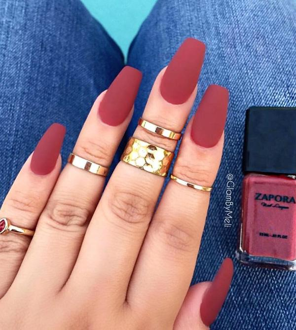 Matte Colors On Nails Dominate For Some Time In Beauty Salons So That It Did