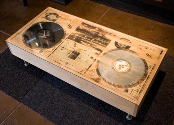 Music lovers here's an idea for decorating your space! Table of wood with  metal claws ...
