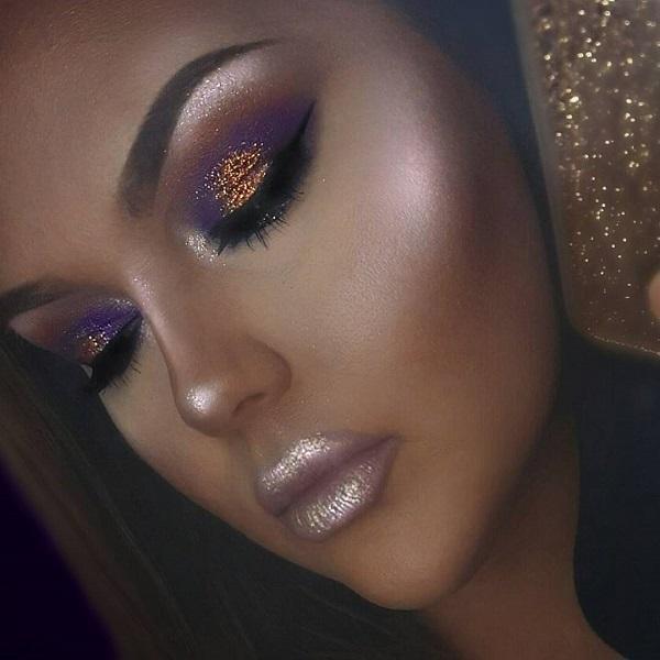 Для темнокожих девушек лучше всего выделяется фиолетовый и золотой тона или оттенки. Блестки тени особенно выходят на первый план на дамах с более темной кожей.