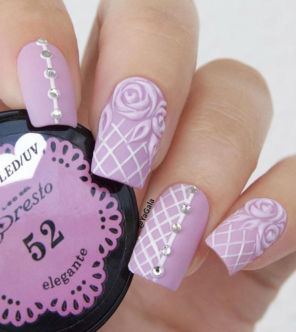 Формы ногтей и цвета ногтей, которые пользуются популярностью постоянно меняются, однако, есть некоторые классики, как эта форма, которая была с тех пор популярны.