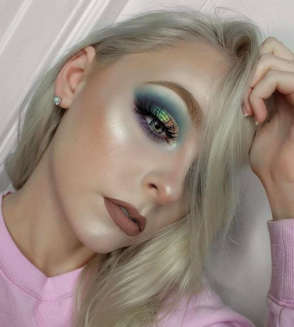People who have blue eyes need to know how to apply shadow in blue color so that eyes be accented. Source