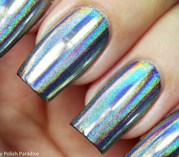 Если вы решите для порошка Крома для ваших ногтей вы получите небольшие зеркала на ваших руках.