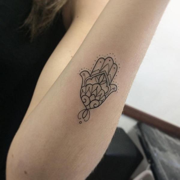 35 Unbelievable Hamsa Tattoo Ideas Art And Design
