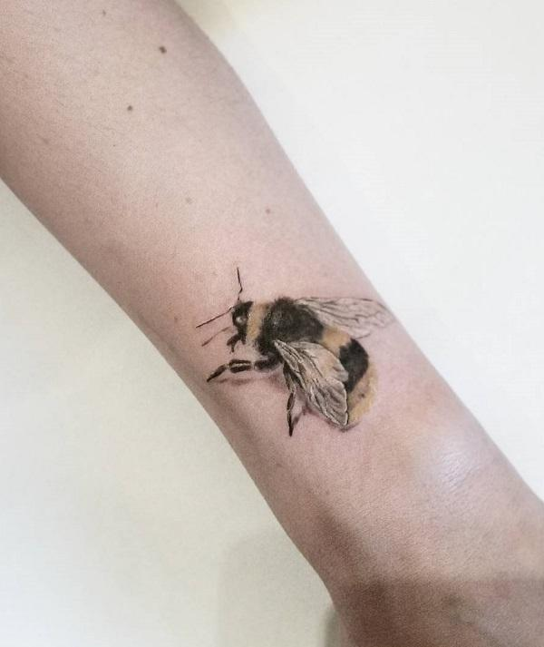 75 cute bee tattoo ideas art and design rh cuded com bumble bee tattoo designs bumble bee tattoos for women
