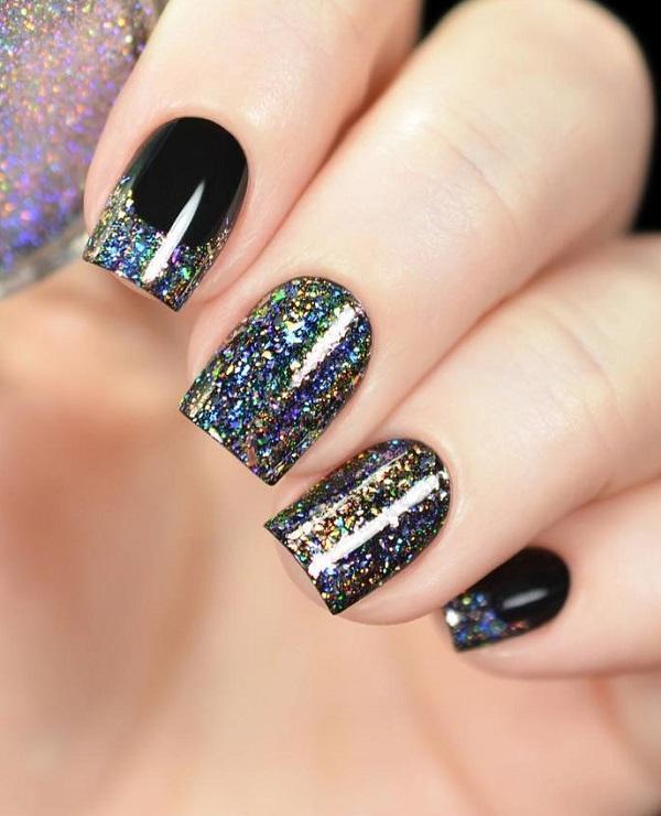 Диско-шары нужно не светить только в дискотеке, ее оттенки можно найти и на наших ногтях.