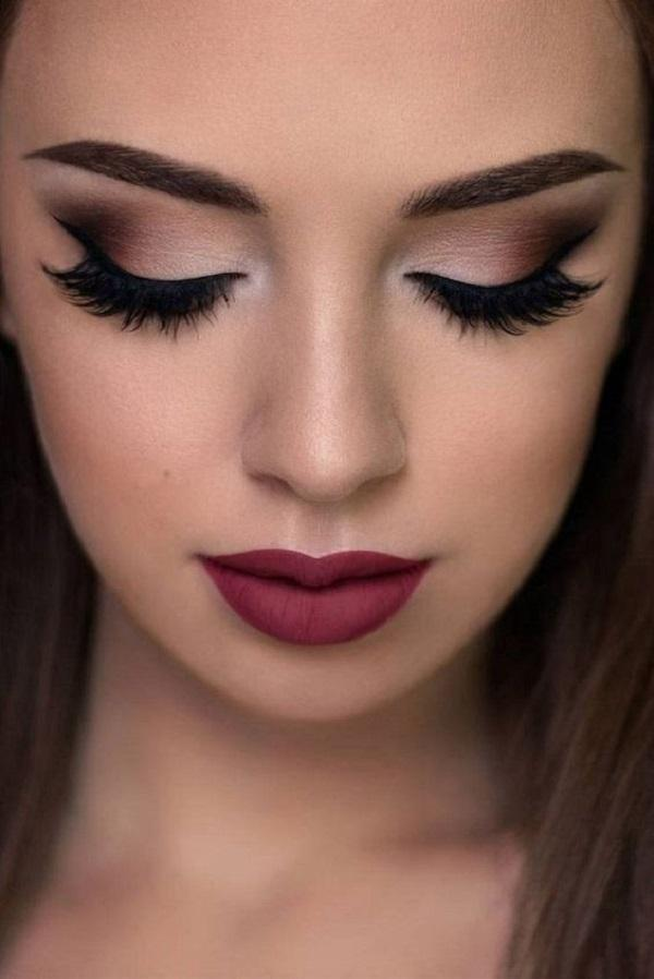 Это классический smokey Eye make up that you can take apart for evening out and over the day.