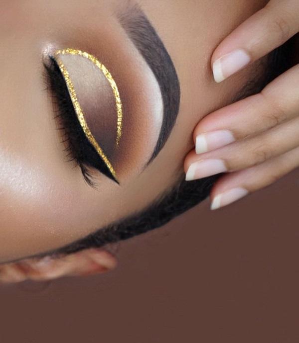 Золотистый цвет никогда не менее современный и непопулярный. Это al, чтобы сделать всегда хорошо, чтобы ваш внешний вид сделать гламурным, будь то в ювелирных изделиях, в макияж, в гардеробе…