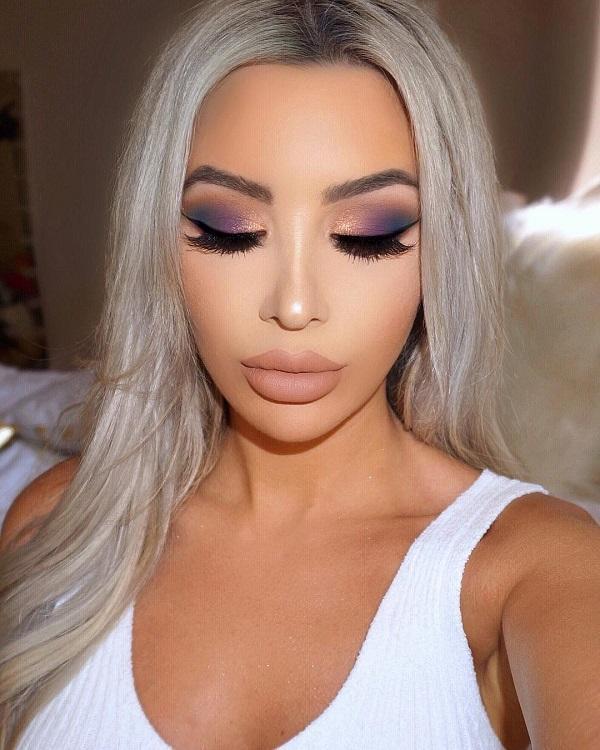Ню цвет на губах очень приятно стоять всем дамам. Фиолетовый цвет королевский, но сделать его более интересным, сочетая его с оранжевым.